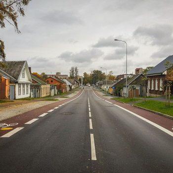 Mūsdienīgi atjaunota iela Daugavpilī
