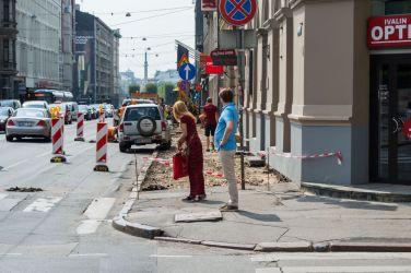 Brīvības iela. Pagaidu ietves nav.